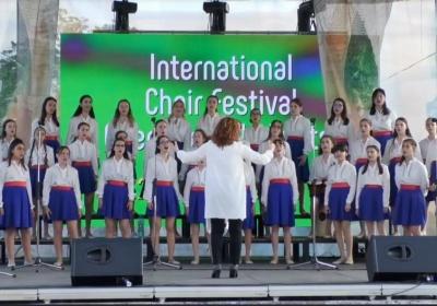 """Детски хор """"Добри Христов"""" спечели сърцата на публиката в Балчик"""